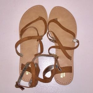 Mossimo strapping Sandals, size 8.5, tan